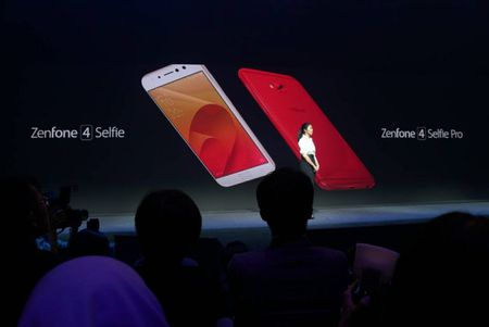 ZenFone 4 Selfie va ZenFone 4 Selfie Pro - Ke thay doi cuoc choi trong tran chien selfie - Anh 1