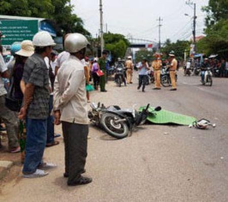 Binh Dinh: Can bo Vien kiem sat chet vi tai nan giao thong - Anh 1