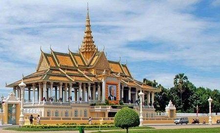 Kham pha ve trang le cua cung dien hoang gia Campuchia - Anh 4