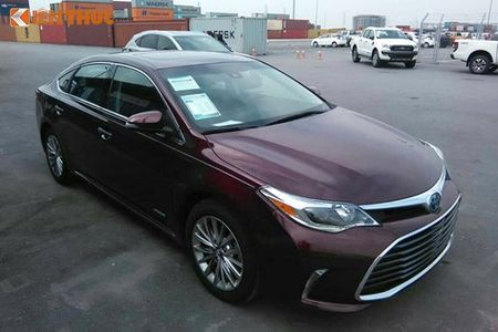 Can canh Toyota Avalon Limited gia 2,56 ty tai VN - Anh 1
