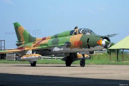 Nhung hung than canh cup canh xoe (5): Su-22 cua Viet Nam - Anh 3