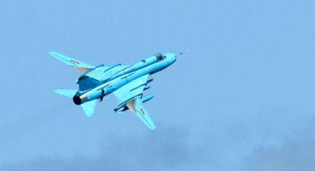 Nhung hung than canh cup canh xoe (5): Su-22 cua Viet Nam - Anh 4