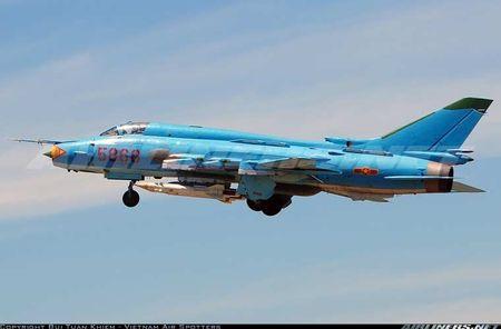 Nhung hung than canh cup canh xoe (5): Su-22 cua Viet Nam - Anh 6