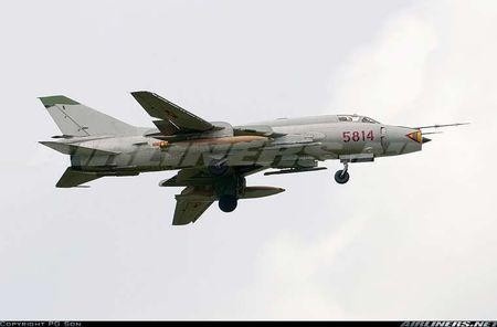 Nhung hung than canh cup canh xoe (5): Su-22 cua Viet Nam - Anh 9