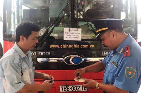 Chan chinh hoat dong xe khach giuong nam - Anh 1