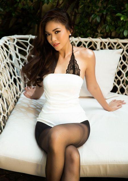 Mau Thuy sexy 'dot mat' nguoi nhin truoc ngay thi Miss Universe Vietnam 2017 - Anh 4