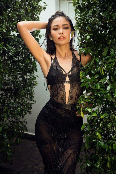 Mau Thuy sexy 'dot mat' nguoi nhin truoc ngay thi Miss Universe Vietnam 2017 - Anh 7