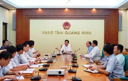 Ngay truyen thong, Van phong UBND tinh Quang Ninh 'khong tiep khach va nhan hoa chuc mung' - Anh 1