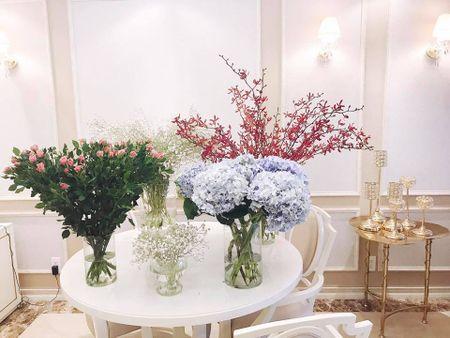 Tro tai cam hoa cuc kheo, HH Pham Huong goi y nhung cach trang tri nha tuyet dep - Anh 3