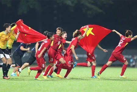 Vo dich SEA Games 29, tuyen nu Viet Nam nhan 'mua' tien thuong - Anh 1