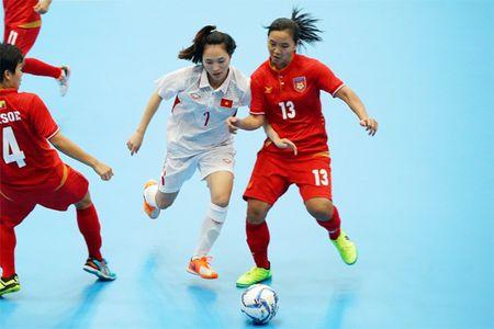 Tuyen Futsal nu Viet Nam gianh tron 3 diem - Anh 1