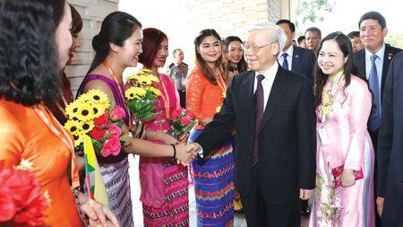Tong Bi thu tham cap nha nuoc Myanmar - Anh 1