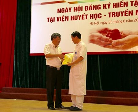Gan 500 thay thuoc Vien Huyet hoc - Truyen mau Trung uong dang ky hien tang - Anh 1
