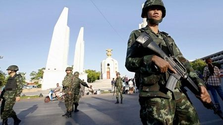 Thai Lan: Toa an phat lenh bat giu cuu Thu tuong Yingluck Shinawatra - Anh 1