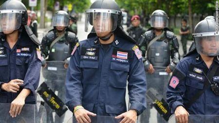 Thai Lan: Toa an phat lenh bat giu cuu Thu tuong Yingluck Shinawatra - Anh 2