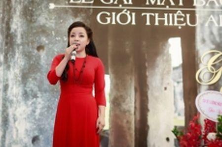 'Gieng que' va tam tinh cua NSUT To Nga sau 10 nam vang bong - Anh 1