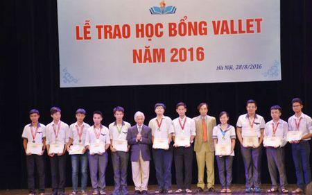 Giao su nguoi Phap uom mam cho nhieu tai nang tre Viet Nam - Anh 2