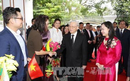 Tong Bi thu tham Dai su quan Viet Nam tai Myanmar - Anh 2