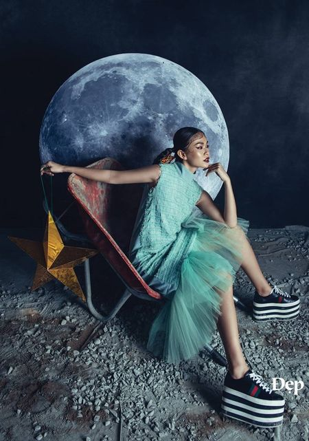 Ngam Son Tung M-TP ma mi trong 'To the moon and back' - Anh 3