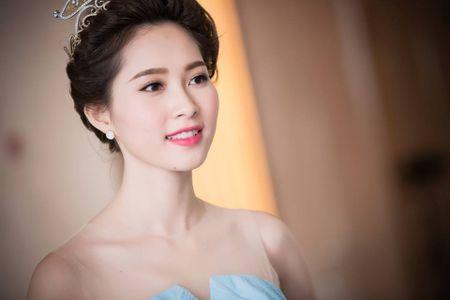 HH Thu Thao chuong vay mong nhu suong, bao sao hoa 'nu than' - Anh 5