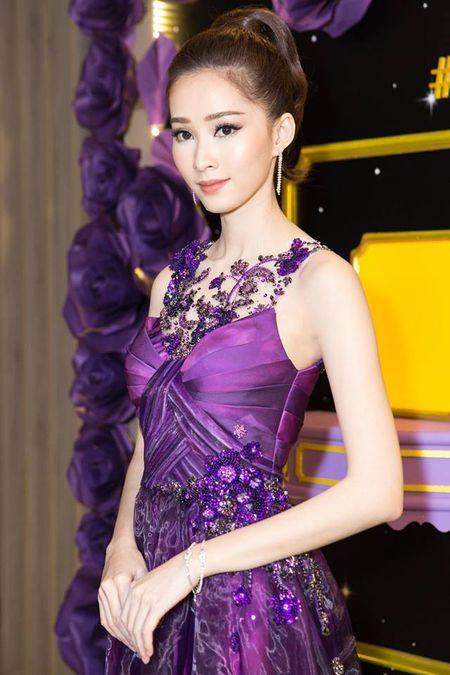 HH Thu Thao chuong vay mong nhu suong, bao sao hoa 'nu than' - Anh 8