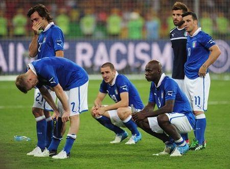Goc Azzurri: Nhung chien binh La Ma trong tran chung ket EURO 2012 nay o dau? - Anh 3