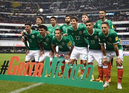 5 ao dau dep nhat va xau nhat o vong loai World Cup 2018 - Anh 2