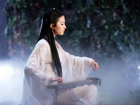 Luu Diec Phi: 'Than tien ty ty' hay 'binh hoa di dong' thua sac kem tai? - Anh 6
