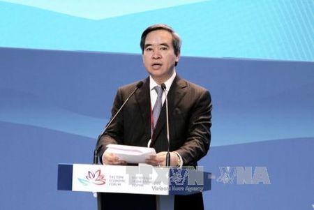 Dong chi Nguyen Van Binh tham du Dien dan kinh te quoc te Phuong Dong lan thu 3 tai LB Nga - Anh 1