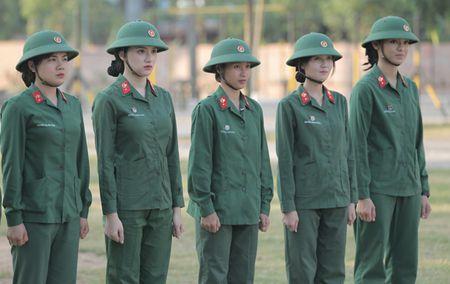 Huong Giang Idol cuc 'lay' trong loat anh 'nha hang' Sao Nhap Ngu mua 4 - Anh 2