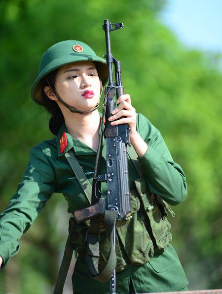 Huong Giang Idol cuc 'lay' trong loat anh 'nha hang' Sao Nhap Ngu mua 4 - Anh 7