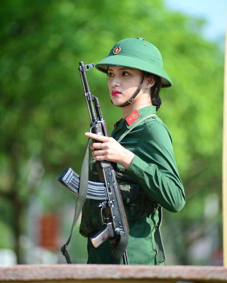 Huong Giang Idol cuc 'lay' trong loat anh 'nha hang' Sao Nhap Ngu mua 4 - Anh 9