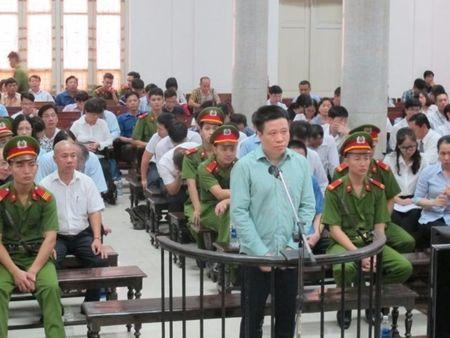 Dai an OceanBank: Ha Van Tham bat ngo 'benh' Nguyen Xuan Son - Anh 1