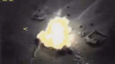 Nga na 'sat thu' Kalibr huy diet muc tieu IS tai Syria (video) - Anh 1