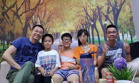 Bac Si Nguyen Le: '10 nam ung thu gan, khong hoa tri, xa tri van song khoe' - Anh 3