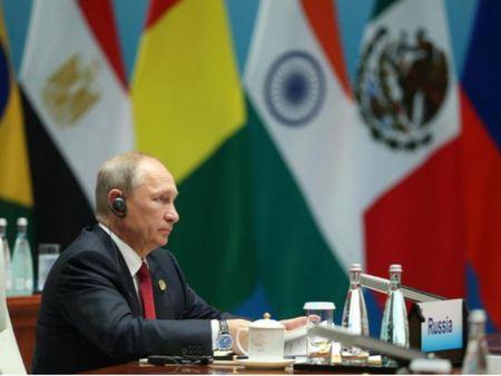 Ong Putin doa kien My vu dong cua lanh su quan - Anh 1