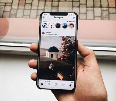 IPhone 8 gia hon 30 trieu, iFan xot tien khong mua - Anh 1