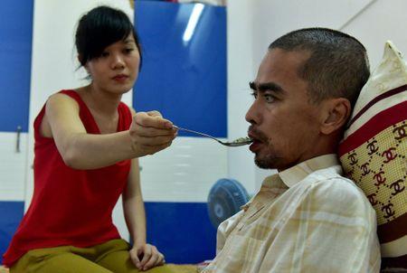 Dien vien Nguyen Hoang: Tai tu het thoi den canh song doi thuc vat vi tai bien - Anh 2