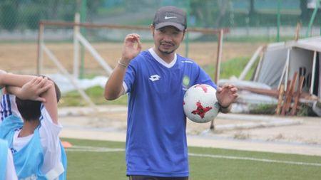 HLV U18 Brunei phat bieu day an y khi dau U18 Viet Nam - Anh 1