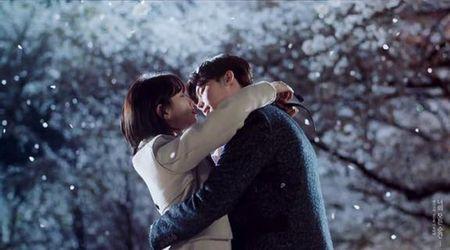 Lee Min Ho di nghia vu quan su, ban gai lien 'khoa moi' trai la - Anh 2