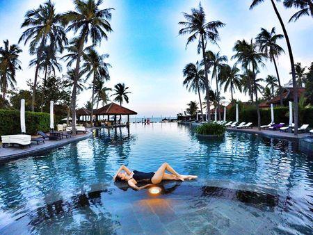 Khanh Thi dien bikini 'muot mat', hon dam say chong tre Phan Hien - Anh 6