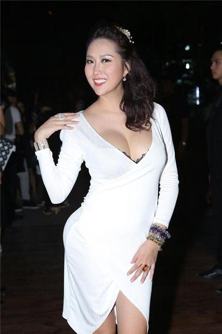 Phi Thanh Van: 'Nguoi dan ong ban linh ay...chua xuat hien' - Anh 4