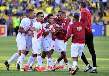 Sau luot 16 vong loai World Cup Nam My: Bat ngo mang ten Peru - Anh 3