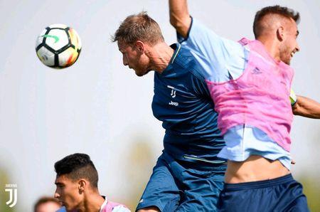 Juventus miet mai dau tap chuan bi cho man tro lai Serie A - Anh 5