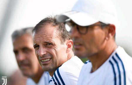 Juventus miet mai dau tap chuan bi cho man tro lai Serie A - Anh 7