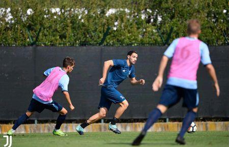 Juventus miet mai dau tap chuan bi cho man tro lai Serie A - Anh 8