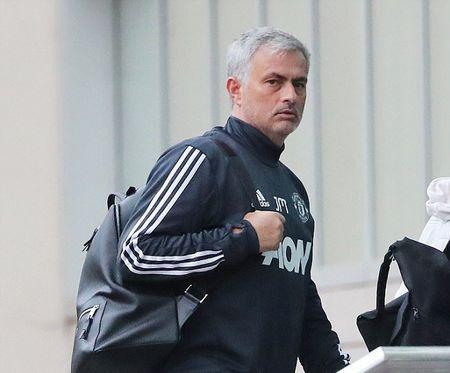 Mourinho tro lai dai ban doanh Man Utd - Anh 2