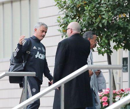Mourinho tro lai dai ban doanh Man Utd - Anh 3