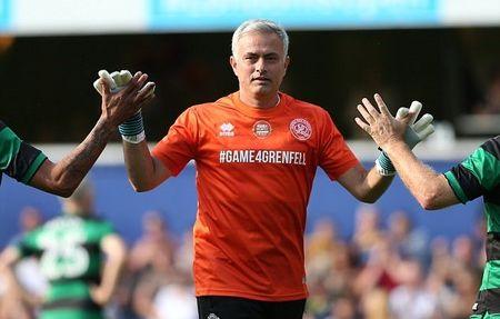 Mourinho tro lai dai ban doanh Man Utd - Anh 5