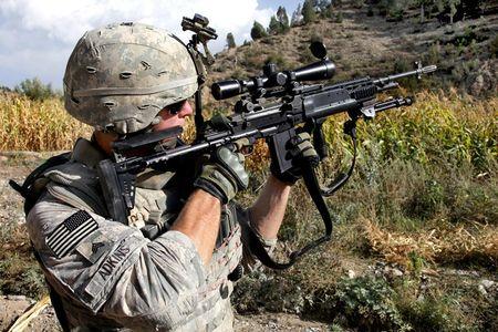 Mk 14 EBR sung truong ban tia yeu thich cua TQLC My - Anh 1